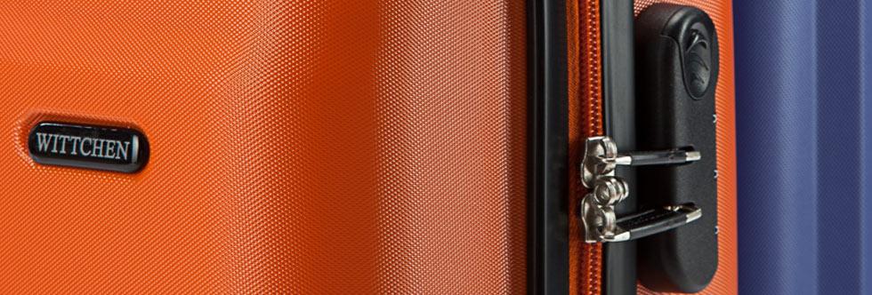 Zamek szyfrowy, zamek z TSA czy pasy zabezpieczające – jakie są najlepsze zabezpieczenia do walizek podróżnych?