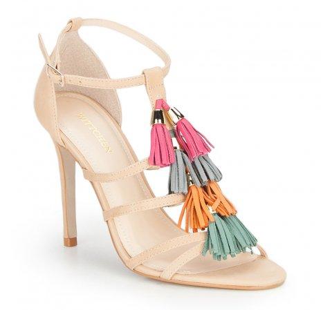 Sandały na szpilce z frędzlami
