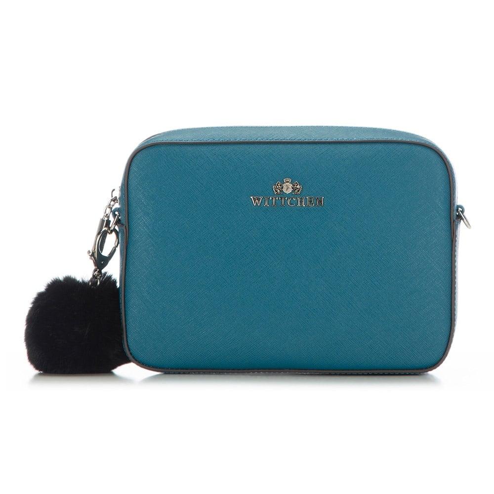 Mała torebka z pomponem