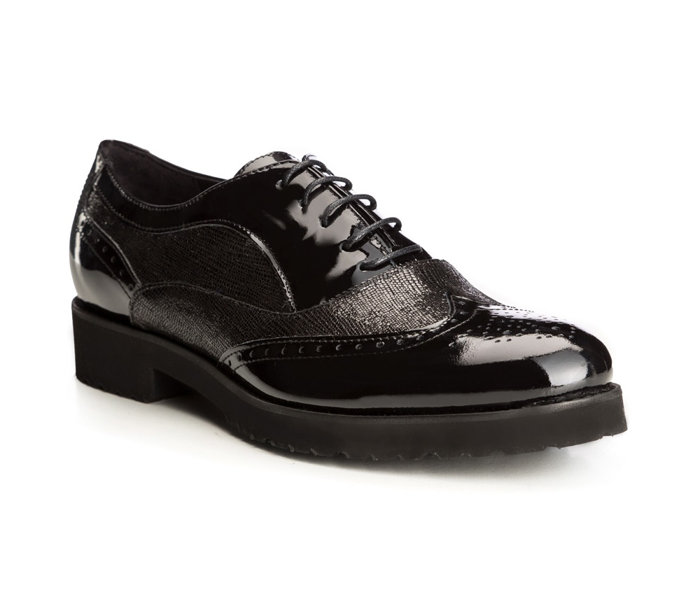 Обувь женская Wittchen 85-D-102-1, черныйБотинки женские, изготовленные по технологии \\\hand made\\\ выполнены из натуральной итальянской кожи наивысшего качества.  Подошва полностью сделана из качественного синтетического материала.<br><br>секс: женщина<br>Цвет: черный<br>Размер EU: 39.5<br>материал:: Натуральная кожа<br>примерная высота каблука (см):: 3