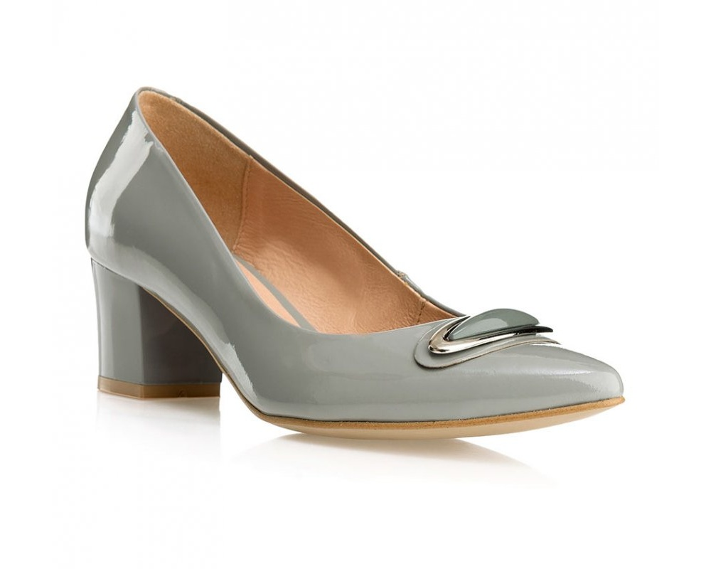 Обувь женская Wittchen 85-D-201-8, серыйТуфли женские, изготовленные по технологии \\\hand made\\\ выполнены из натуральной итальянской кожи наивысшего качества.  Подошва полностью сделана из качественного синтетического материала.<br><br>секс: женщина<br>Цвет: серый<br>Размер EU: 38<br>материал:: Натуральная кожа<br>примерная высота каблука (см):: 6