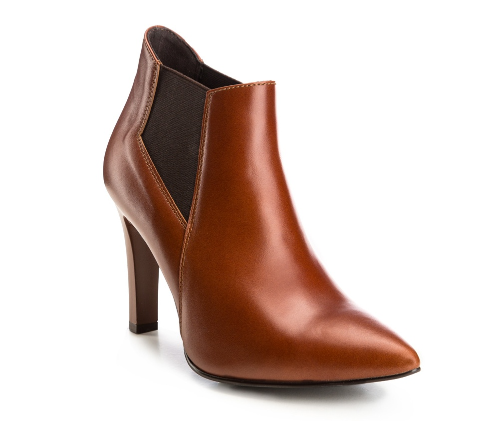 Ботильоны Wittchen 85-D-205-5, коричневыйБотильоны Wittchen 85-D-205-5, коричневый<br><br>секс: женщина<br>Цвет: коричневый<br>Размер EU: 39<br>материал:: Натуральная кожа<br>примерная высота каблука (см):: 9