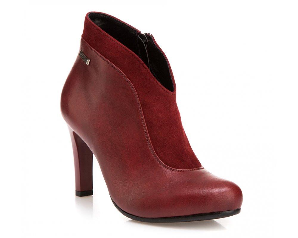 Обувь женскаяОбувь женская<br><br>секс: женщина<br>Цвет: красный<br>Размер EU: 38<br>материал:: Натуральная кожа<br>примерная высота каблука (см):: 8,5