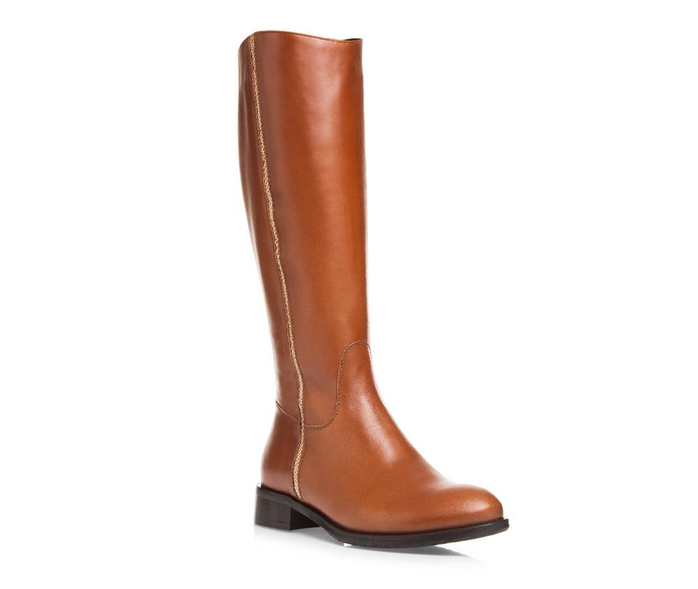 Обувь женскаяОбувь женская<br><br>секс: женщина<br>Цвет: коричневый<br>Размер EU: 40<br>материал:: Натуральная кожа<br>примерная высота каблука (см):: 3