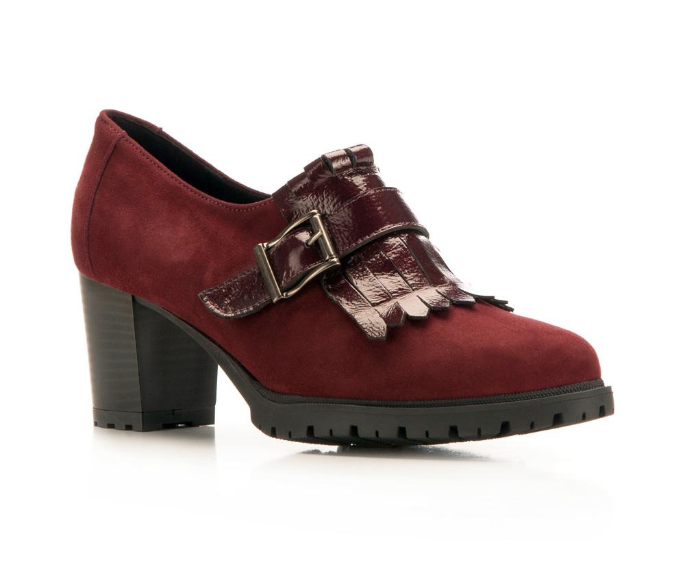 Обувь женскаяЖенские ботинки выполнены по технологии \hand made\ из лучшей итальянской кожи наивысшего качества. Подошва полностью сделана из качественного синтетического материала.<br><br>секс: женщина<br>Цвет: красный<br>Размер EU: 38<br>материал:: Натуральная кожа<br>примерная высота каблука (см):: 6,5