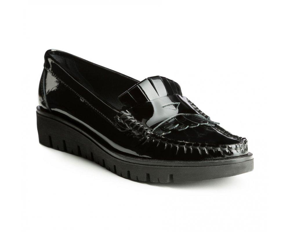 Обувь женская Wittchen 85-D-352-1, черныйЖенские мокасины выполнены по технологии \\\hand made\\\ из лучшей итальянской кожи наивысшего качества. наивысшего качества.  Подошва полностью сделана из качественного синтетического материала.<br><br>секс: женщина<br>Цвет: черный<br>Размер EU: 39<br>материал:: Натуральная кожа<br>примерная высота каблука (см):: 3,5