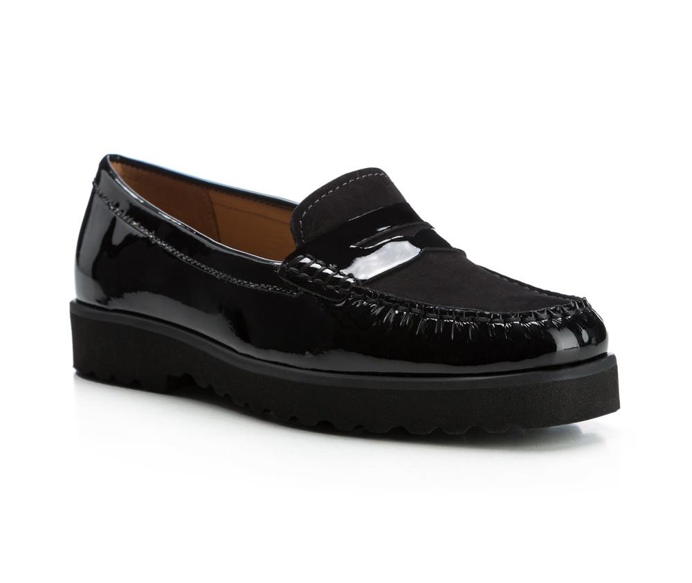 Обувь женскаяЖенские мокасины выполнены по технологии \hand made\ из лучшей итальянской кожи наивысшего качества. наивысшего качества.  Подошва полностью сделана из качественного синтетического материала.<br><br>секс: женщина<br>Цвет: черный<br>Размер EU: 35<br>материал:: Натуральная кожа<br>примерная высота каблука (см):: 3
