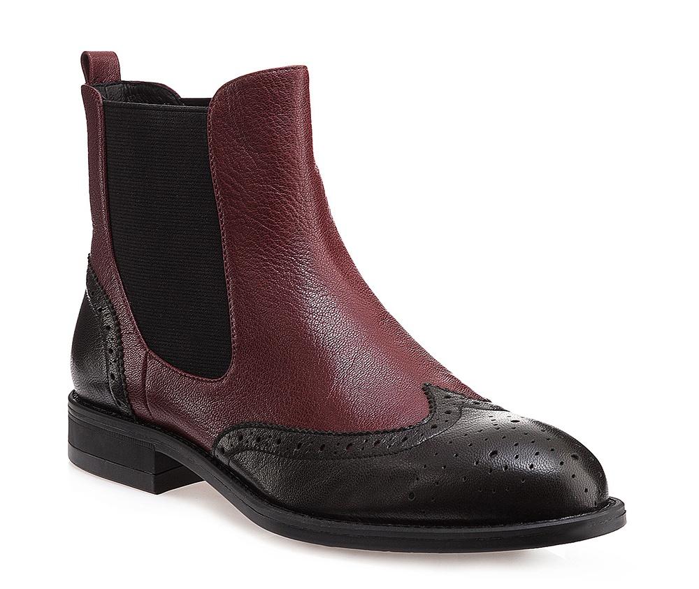 Обувь женскаяЖенские штиблеты выполнены по технологии \hand made\ из лучшей итальянской кожи. Подошва полностью сделана из качественного синтетического материала.<br><br>секс: женщина<br>Цвет: черный<br>Размер EU: 36<br>материал:: Натуральная кожа<br>примерная высота каблука (см):: 2,5