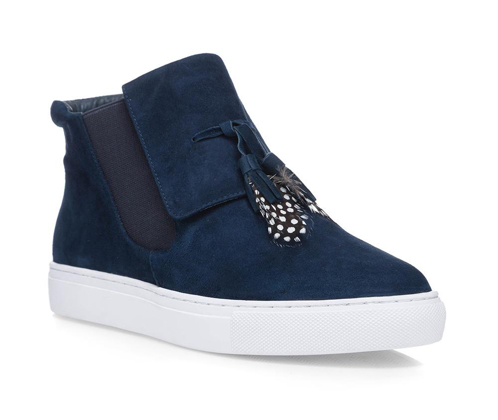 Обувь женская Wittchen 85-D-906-7, синийЖенские ботинки выполнены по технологии \\\hand made\\\ из лучшей итальянской кожи.  Подошва полностью сделана из качественного синтетического материала.<br><br>секс: женщина<br>Цвет: синий<br>Размер EU: 37<br>материал:: Натуральная кожа<br>примерная высота каблука (см):: 3
