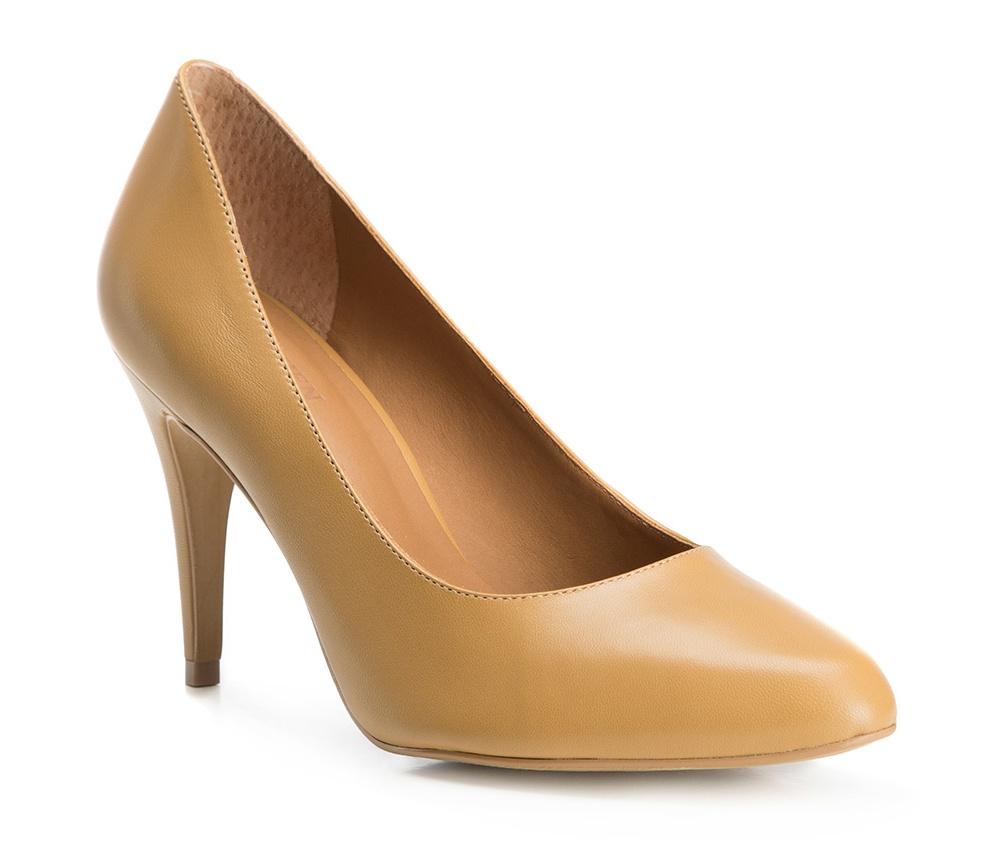 Обувь женскаяТуфли женские класcические.Изготовленные по технологии \Hand Made\ и выполнены полностью из натуральной итальянской кожи наивысшего качества. Подошва сделана из качественного синтетического материала. Сочетание классических высоких каблуков каждый раз по разному создает уникальный и модный  образ.<br><br>секс: женщина<br>Цвет: коричневый<br>Размер EU: 40<br>материал:: Натуральная кожа<br>примерная высота каблука (см):: 8