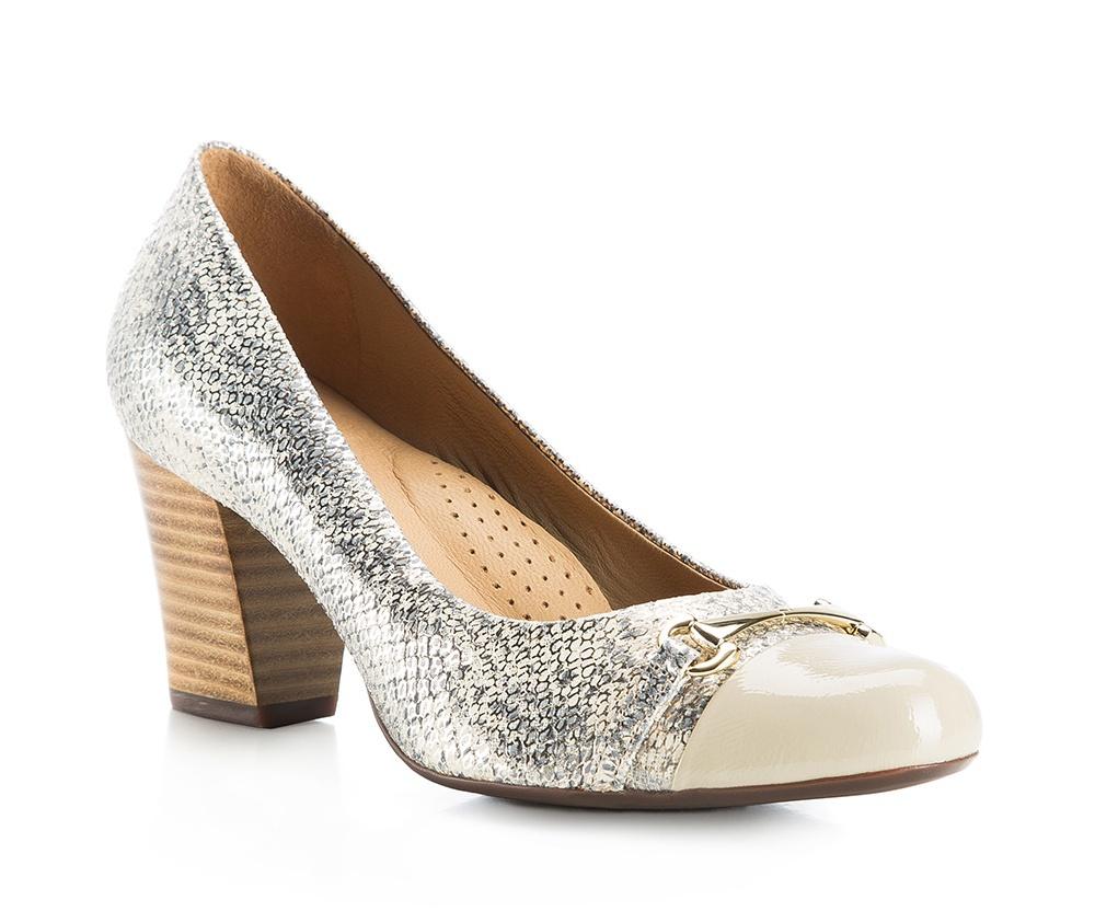 Обувь женскаяТуфли женские класcические.Изготовленные по технологии \Hand Made\ и выполнены полностью из натуральной итальянской кожи наивысшего качества. Подошва сделана из качественного синтетического материала. Эта модель обязательно должна быть в гардеробе женщины которая любит элегантность и клаcсику.<br><br>секс: женщина<br>Цвет: разноцветный<br>Размер EU: 41<br>материал:: Натуральная кожа<br>примерная высота каблука (см):: 6
