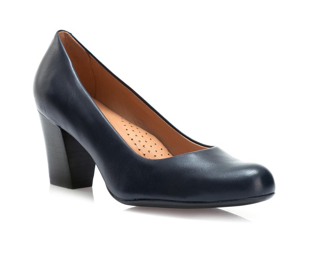 Обувь женскаяТуфли женские классические. Изготовленные по технологии \Hand Made\ и выполнены из натуральной итальянской кожи наивысшего качества. Подошва сделана из качественного синтетического материала. Сочетание классических высоких каблуков каждый раз по разному создает уникальный и модный  образ.<br><br>секс: женщина<br>Цвет: синий<br>Размер EU: 35