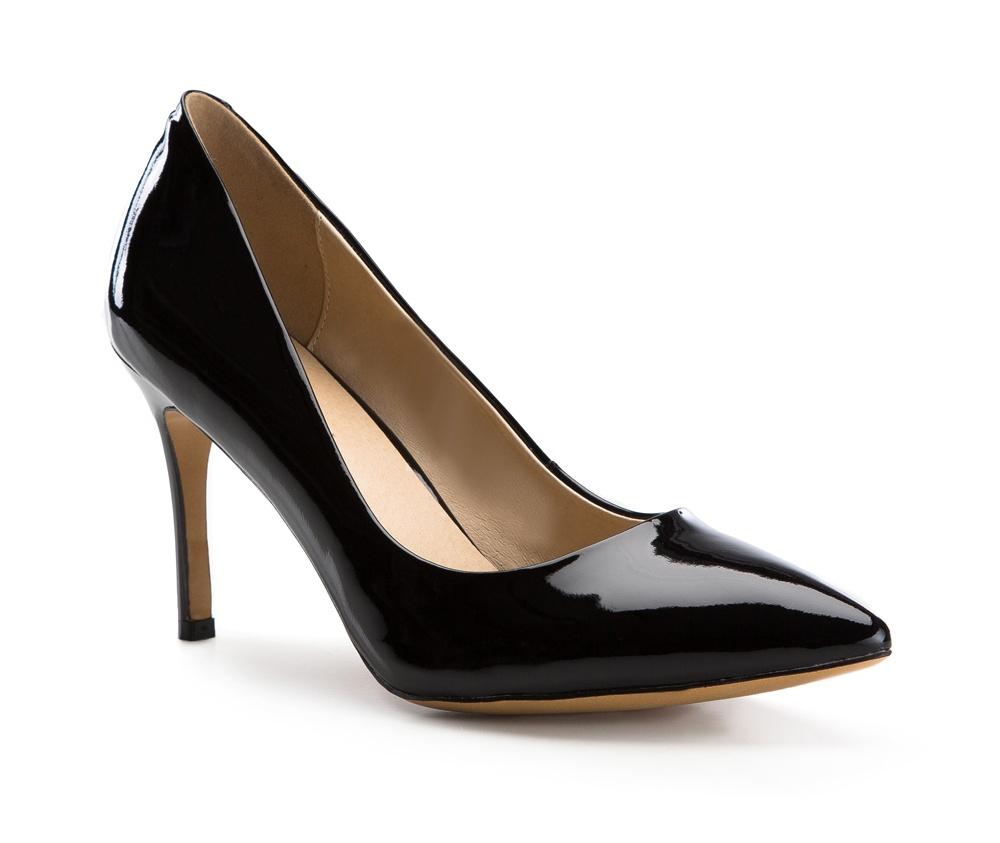 Обувь женскаяТуфли женские класcические. Изготовленные по технологии \Hand Made\ и выполнены полностью из натуральной итальянской кожи наивысшего качества. Подошва сделана из качественного синтетического материала. Сочетание классических высоких каблуков каждый раз по разному создает уникальный и модный  образ.<br><br>секс: женщина<br>Цвет: черный<br>Размер EU: 36<br>материал:: Натуральная кожа<br>примерная высота каблука (см):: 9