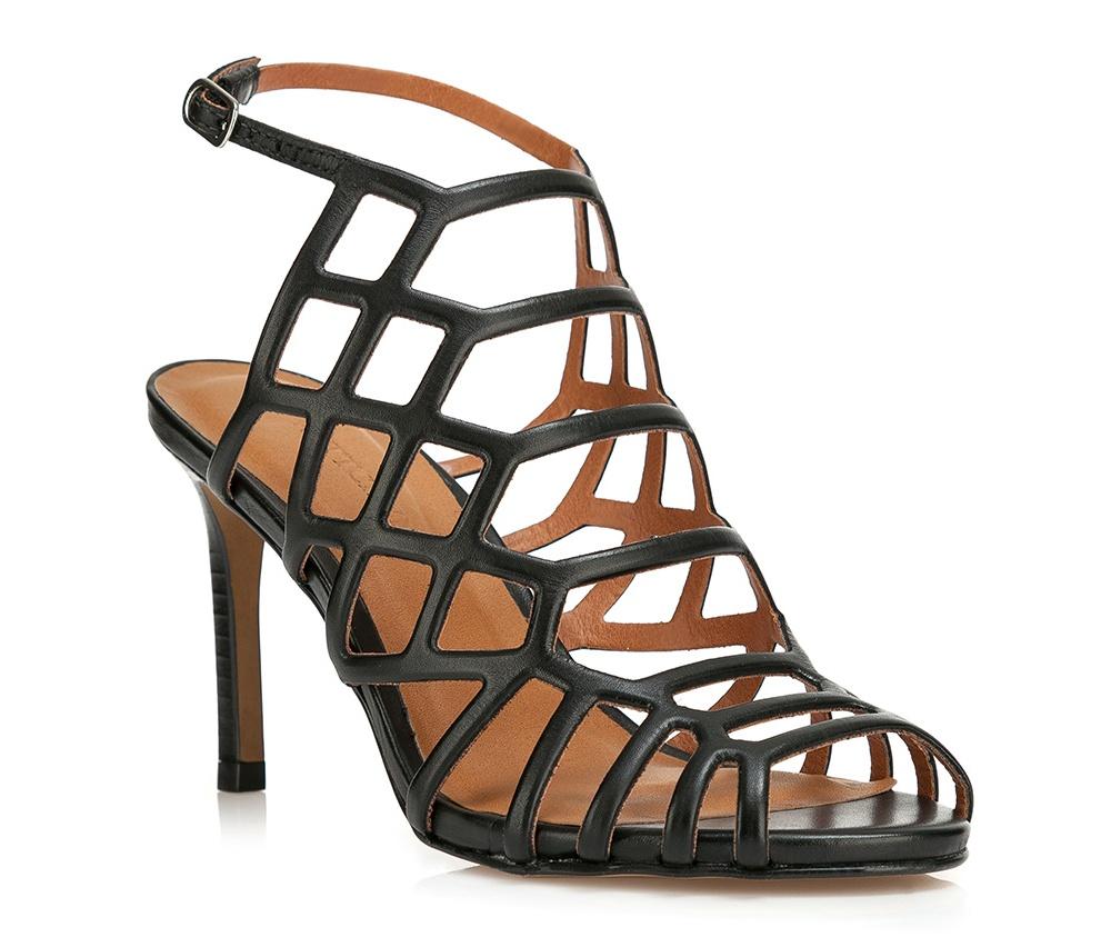 Обувь женскаяБосоножки женские . Изготовленные по технологии \Hand Made\ и выполнены полностью из натуральной итальянской кожи наивысшего качества. Подошва сделана из качественного синтетического материала. Платформа переходящая в котурну, добавляет ощущение стабильности и комфорта. Модель идеально подойдет с летними нарядами.<br><br>секс: женщина<br>Цвет: черный<br>Размер EU: 39