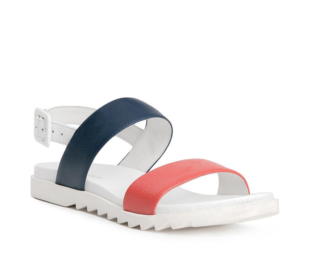 Обувь женскаяШлепанци женские изготовленные по технологии Hand Made и выполнены полностью из натуральной итальянской кожи наивысшего качества. Подошва сделана из качественного синтетического материала. Городской дизайн этих сланцев не был лишен женского характера.<br><br>секс: женщина<br>Цвет: белый<br>Размер EU: 40<br>материал:: Натуральная кожа