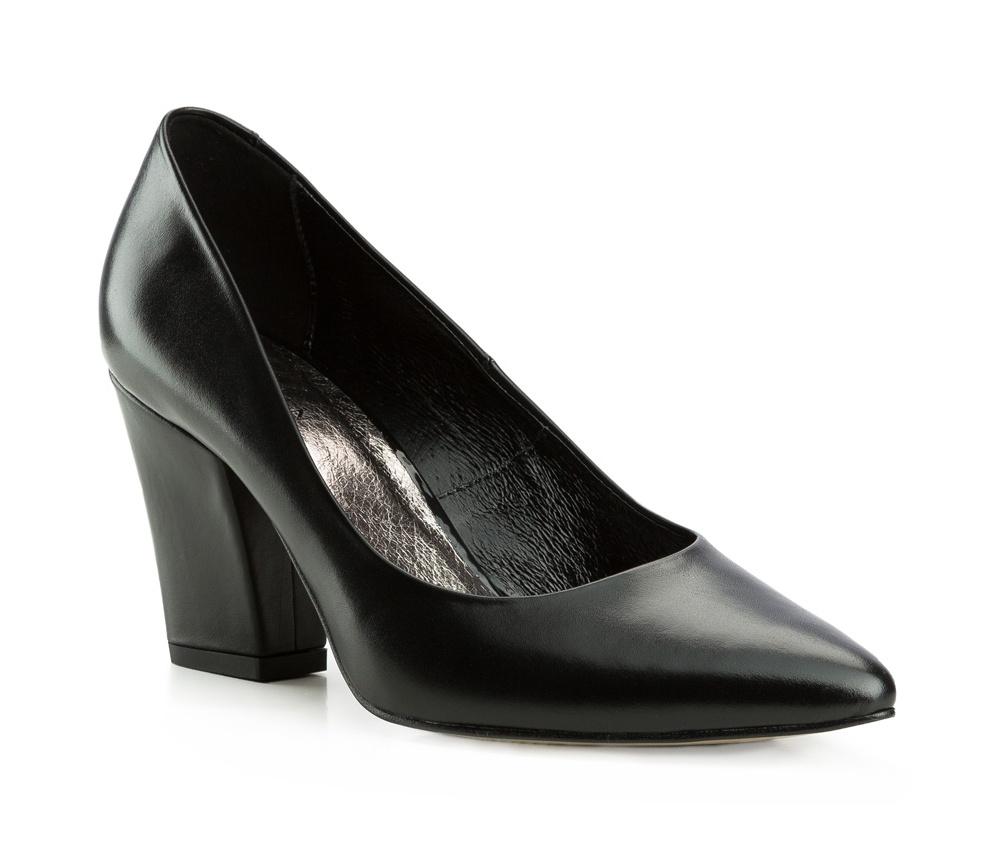 Обувь женскаяЖенские туфли-лодочки выполненны по технологии hand made из лучшей итальянской кожи. Подошва сделана  из синтетического материала. Туфли-лодочки являются обязательным элементом женского гардероба, который придаст Вашему стилю элегантности.          кожа натуральная          кожа натуральная          материал синтетический<br><br>секс: женщина<br>Цвет: черный<br>Размер EU: 37<br>материал:: Натуральная кожа<br>примерная высота каблука (см):: 8