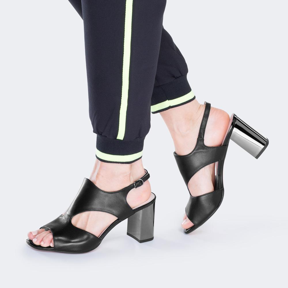 Damskie sandały z gładkiej skóry, czarny, 88-D-967-1-40, Zdjęcie 1