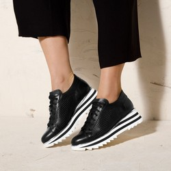 Leather fashion trainers with perforated upper, black-white, 92-D-104-1-38_5, Photo 1