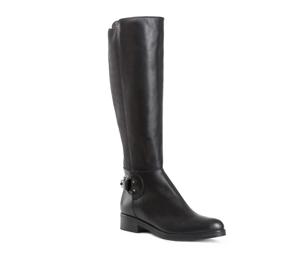 Обувь женскаяЖенские сапоги выполненны по технологии hand made из лучшей итальянской кожи. Подошва сделана  из синтетического материала. Дополнительно классическая модель декорирована пряжкой.           кожа натуральная          текстильный материал          материал синтетический<br><br>секс: женщина<br>Цвет: черный<br>Размер EU: 37<br>материал:: Натуральная кожа<br>примерная высота каблука (см):: 3<br>примерная высота голенища (см): 42