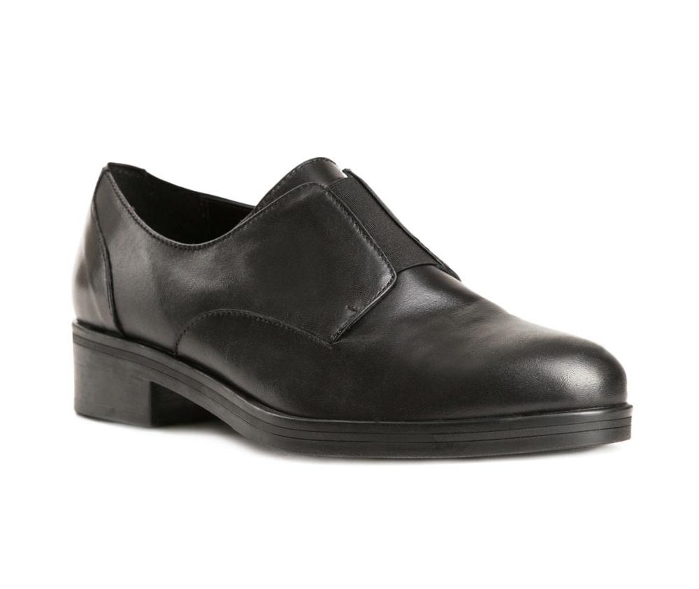 Обувь женскаяЖенские полуботинки выполненные по технологии hand made из лучшей итальянской кожи. Подошва сделана  из синтетического материала. Модель прекрасно подойдет для нарядов в современном городском стиле.            кожа натуральная          кожа натуральная          материал синтетический<br><br>секс: женщина<br>Цвет: черный<br>Размер EU: 35<br>материал:: Натуральная кожа<br>примерная высота каблука (см):: 3,5