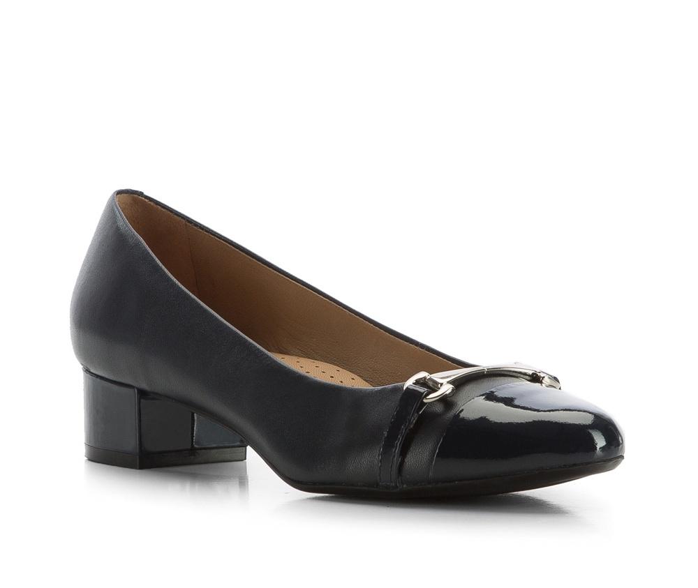 Обувь женскаяЖенские туфли-лодочки выполненны по технологии hand made из лучшей итальянской кожи. Подошва сделана  из синтетического материала. Классическая модель отлично дополненият деловой стиль.       кожа натуральная          кожа натуральная          материал синтетический<br><br>секс: женщина<br>Цвет: синий<br>Размер EU: 36<br>материал:: Натуральная кожа<br>примерная высота каблука (см):: 3,8