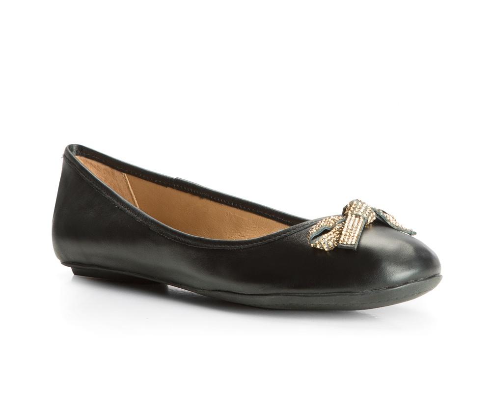 Обувь женскаяБалетки женские, сделанные в технологии Hand Made выполнены полностью из натуральной итальянской кожи наивысшего качества. Подошва полностью сделана из качественного синтетического материала.  Выразительные украшения и принты, добавляют обуви элегантности которая прийдется по вкусу даже самым требовательным клиенткам.<br><br>секс: женщина<br>Цвет: черный<br>Размер EU: 39<br>материал:: Натуральная кожа
