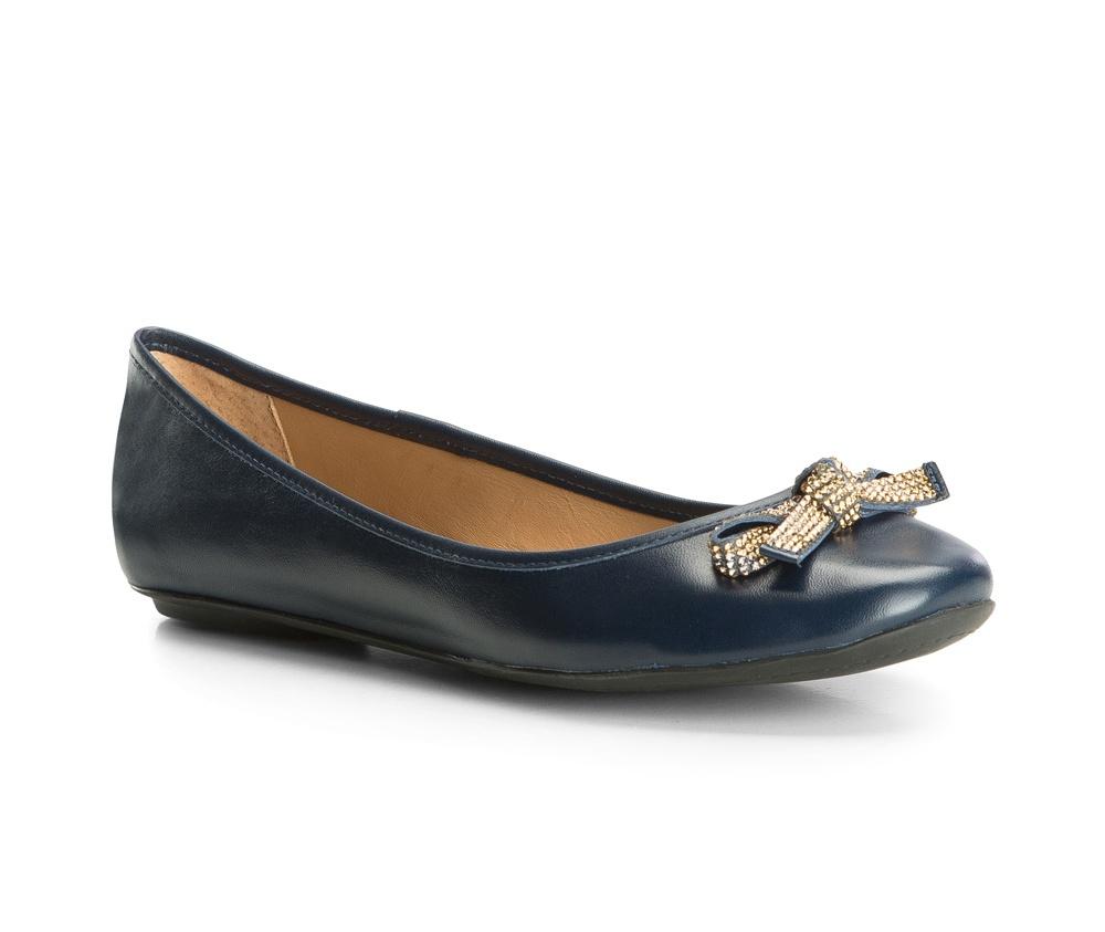 Обувь женскаяБалетки женские, сделанные в технологии Hand Made выполнены полностью из натуральной итальянской кожи наивысшего качества. Подошва полностью сделана из качественного синтетического материала.  Выразительные украшения и принты, добавляют обуви элегантности которая прийдется по вкусу даже самым требовательным клиенткам.<br><br>секс: женщина<br>Цвет: синий<br>Размер EU: 36<br>материал:: Натуральная кожа