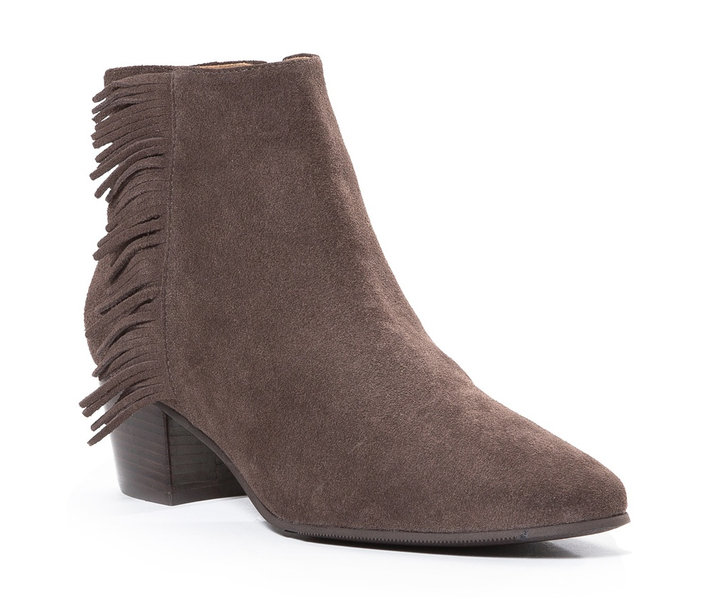 Обувь женскаяПолусапожки  для женщин, изготовленные по технологии Hand Made выполнены полностью из натуральной итальянской кожи наивысшего качества. Подошва полностью сделана из качественного синтетического материала. Классическая модель с очень стабильным каблуком украсит ногу каждой женщины. Подойдет в сочетании с каждой стилизацией.<br><br>секс: женщина<br>Цвет: коричневый<br>Размер EU: 35<br>материал:: Натуральная кожа<br>примерная высота каблука (см):: 5,5<br>примерная высота голенища (см): 11,5