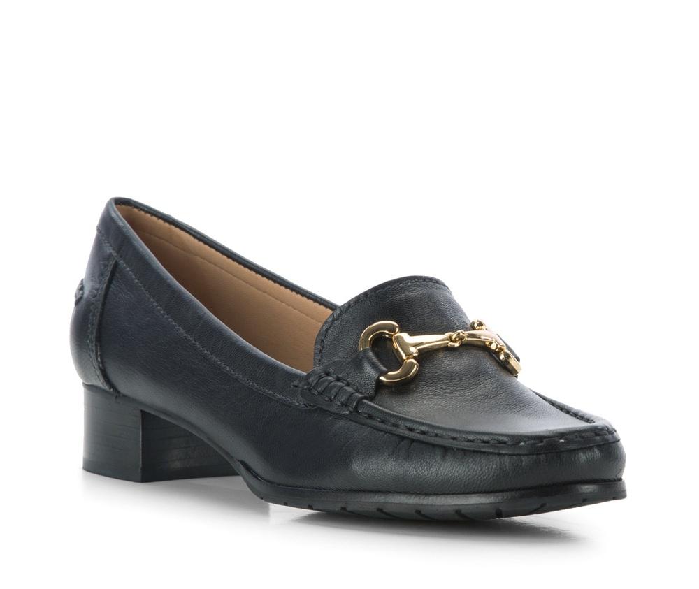 Обувь женскаяЖенские мокасины выполненны по технологии hand made из лучшей итальянской кожи. Подошва сделана  из синтетического материала. Более высокий каблук делает мокасины более элегантными.        кожа натуральная          кожа натуральная          материал синтетический<br><br>секс: женщина<br>Цвет: синий<br>Размер EU: 35<br>материал:: Натуральная кожа<br>примерная высота каблука (см):: 3,5