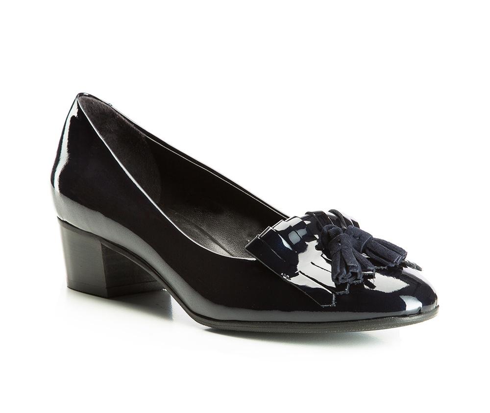 Обувь женскаяЖенские туфли-лодочки выполненны по технологии hand made из лучшей итальянской кожи. Подошва сделана  из синтетического материала. Это предложение для женщин, которые ищут в моде удобных и элегантных решений.       кожа натуральная          кожа натуральная          материал синтетический<br><br>секс: женщина<br>Цвет: синий<br>Размер EU: 39.5<br>материал:: Натуральная кожа<br>примерная высота каблука (см):: 4,5