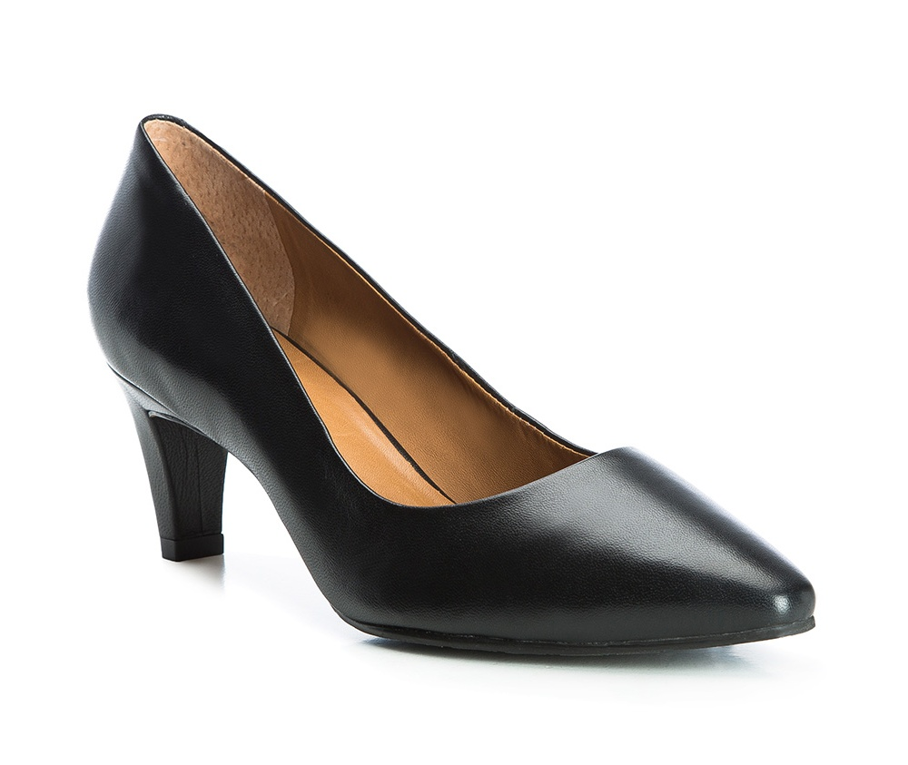 Обувь женскаяТуфли женские класcические.Изготовленные по технологии \Hand Made\ и выполнены полностью из натуральной итальянской кожи наивысшего качества. Подошва сделана из качественного синтетического материала. Эта модель обязательно должна быть в гардеробе женщины которая любит элегантность и клаcсику.<br><br>секс: женщина<br>Цвет: черный<br>Размер EU: 38<br>материал:: Натуральная кожа<br>примерная высота каблука (см):: 6
