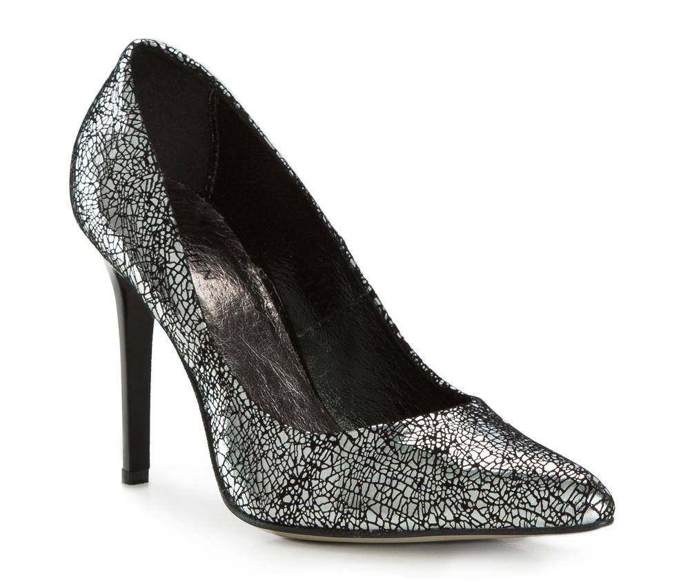 Обувь женскаяЖенские туфли на шпильке выполненны по технологии hand made из лучшей итальянской кожи. Подошва сделана  из синтетического материала. Отличное дополнение к элегантныму гардеробу.             кожа натуральная          кожа натуральная          материал синтетический<br><br>секс: женщина<br>Цвет: серый<br>Размер EU: 39<br>материал:: Натуральная кожа<br>примерная высота каблука (см):: 10