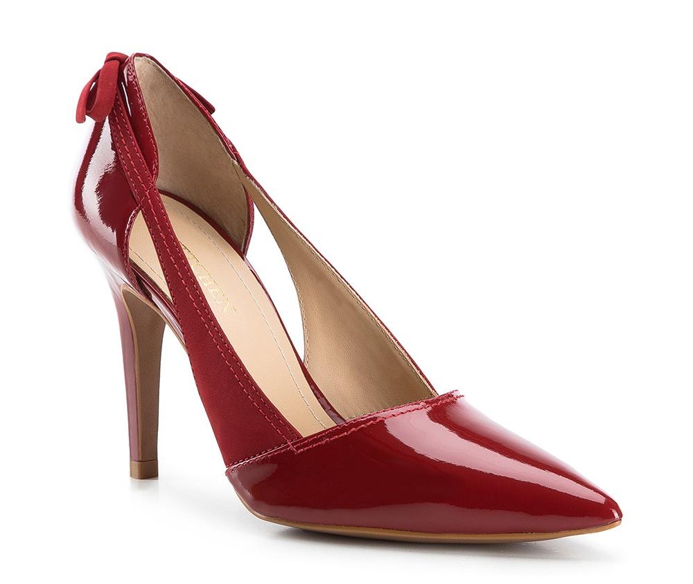 Обувь женскаяТуфли женские классические. Изготовленные по технологии Hand Made и выполнены из натуральной итальянской кожи наивысшего качества. Подошва сделана из качественного синтетического материала. Сочетание классических высоких каблуков каждый раз по разному создает уникальный и модный  образ.<br><br>секс: женщина<br>Размер EU: 38<br>материал:: Натуральная кожа<br>примерная высота каблука (см):: 9