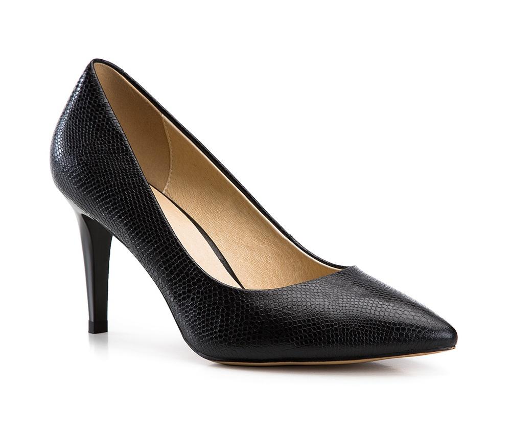 Обувь женскаяТуфли женские класcические.Изготовленные по технологии \Hand Made\ и выполнены полностью из натуральной итальянской кожи наивысшего качества. Подошва сделана из качественного синтетического материала. Сочетание классических высоких каблуков каждый раз по разному создает уникальный и модный  образ.<br><br>секс: женщина<br>Цвет: черный<br>Размер EU: 41<br>материал:: Натуральная кожа<br>примерная высота каблука (см):: 9