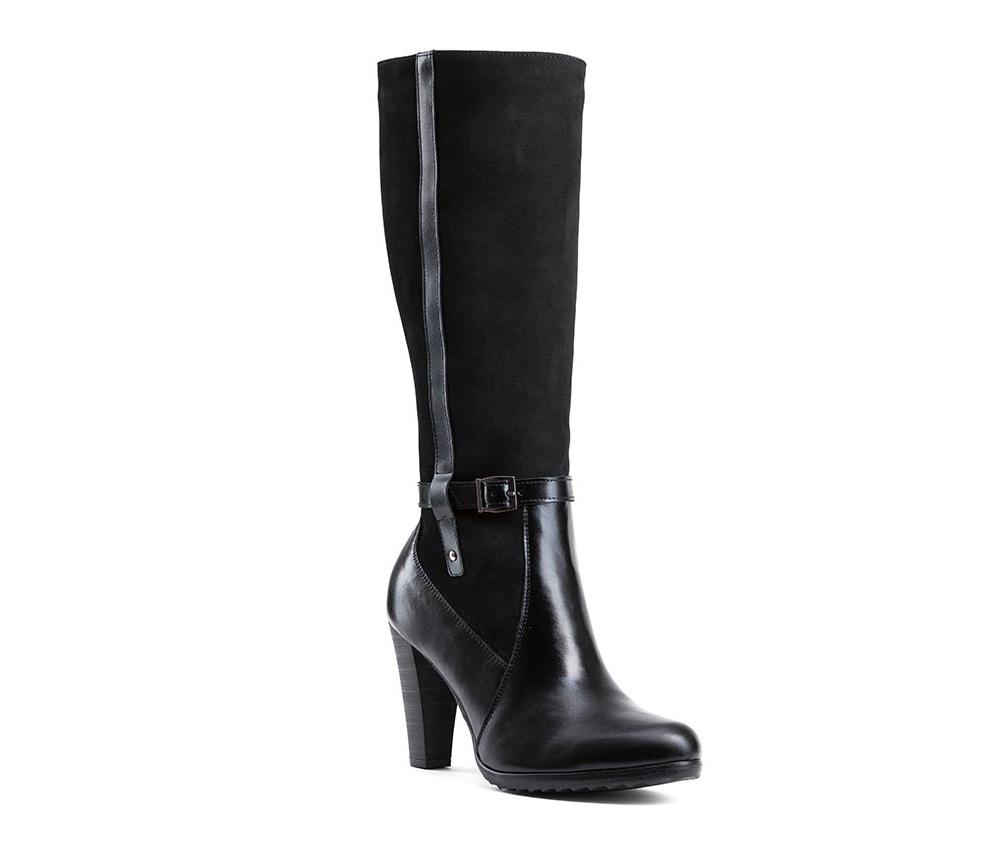 Обувь женскаяЖенские сапоги выполненны по технологии hand made из лучшей итальянской кожи. Подошва сделана  из синтетического материала. Стильное сочетание материалов делает модель идеальным элементом женского гардероба.          кожа натуральная           текстильный материал/ натуральная кожа         материал синтетический<br><br>секс: женщина<br>Цвет: черный<br>Размер EU: 41<br>материал:: Натуральная кожа<br>примерная высота каблука (см):: 9,5<br>примерная высота голенища (см): 35