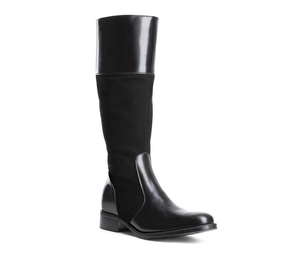 Обувь женскаяЖенские сапоги выполненны по технологии hand made из лучшей итальянской кожи. Подошва сделана  из синтетического материала. Устойчивый, низкий каблук обеспечивает удобство в повседневном ношение.         кожа натуральная           текстильный материал/ натуральная кожа         материал синтетический<br><br>секс: женщина<br>Цвет: черный<br>Размер EU: 36<br>материал:: Натуральная кожа<br>примерная высота каблука (см):: 3,5<br>примерная высота голенища (см): 39