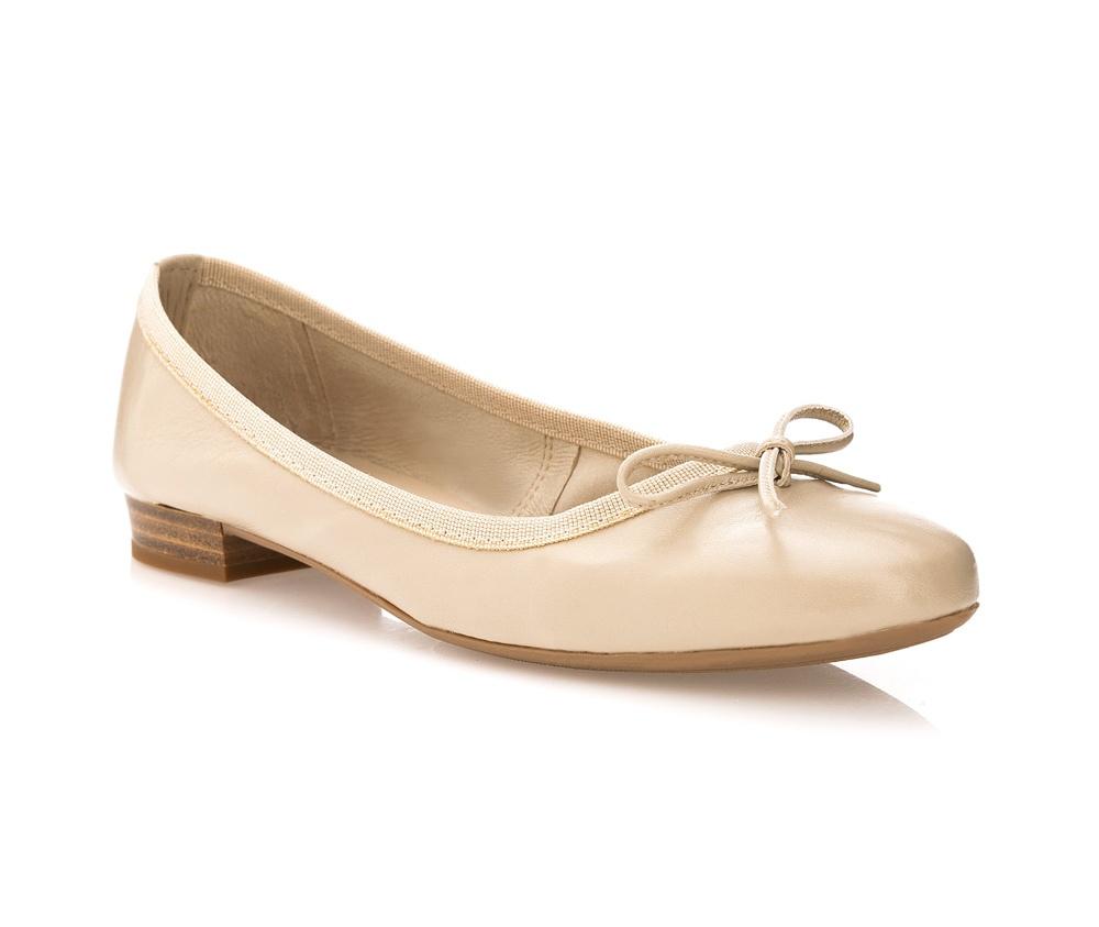 Обувь женскаяБалетки женские, изготовленные по технологии \Hand Made\ и выполнены из натуральной итальянской кожи наивысшего качества. Подошва сделана из качественного синтетического материала.<br>Выразительные украшения и принты, добавляют обуви элегантности которая прийдется по вкусу даже самым требовательным клиенткам.<br><br>секс: женщина<br>Размер EU: 37