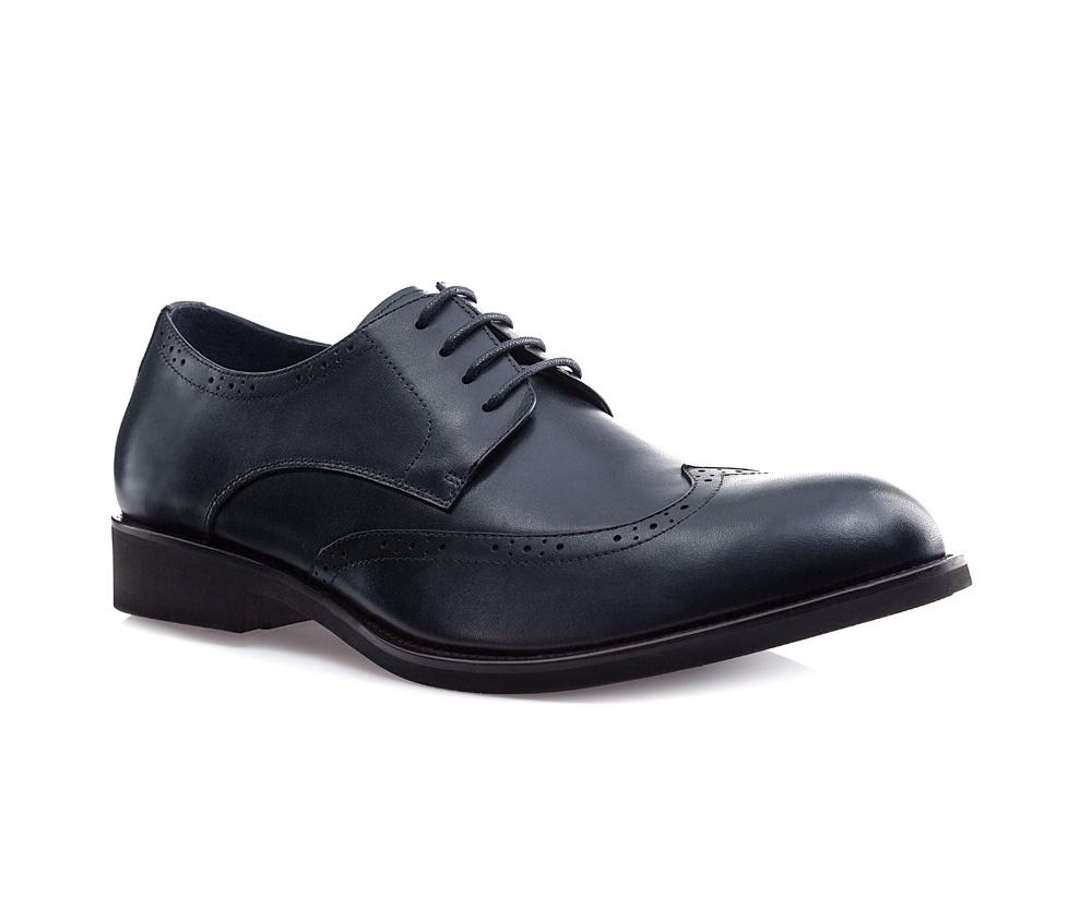 Обувь мужская Wittchen 85-M-806-7, синийМужские ботинки выполнены по технологии \\\hand made\\\ из лучшей итальянской кожи. Подошва полностью сделана из качественного синтетического материала.<br><br>секс: мужчина<br>Цвет: синий<br>Размер EU: 44<br>материал:: Натуральная кожа<br>примерная высота каблука (см):: 3