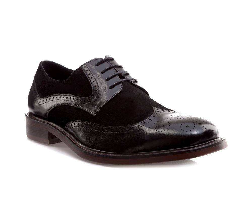 Обувь мужская Wittchen 85-M-810-1, черныйМужские ботинки выполнены по технологии \\\hand made\\\ из лучшей итальянской кожи. Подошва полностью сделана из качественного синтетического материала.<br><br>секс: мужчина<br>Цвет: черный<br>Размер EU: 45<br>материал:: Натуральная кожа<br>примерная высота каблука (см):: 3