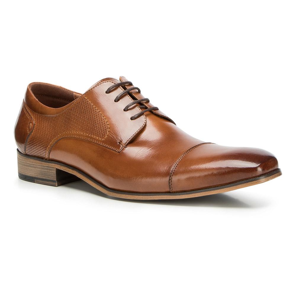 Elegantná pánska obuv.