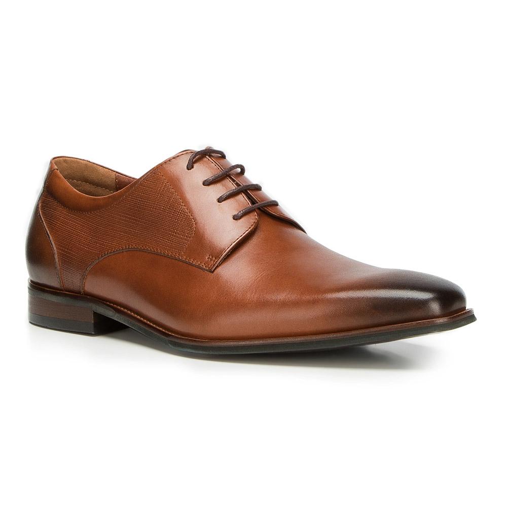 Pánska trendová obuv.