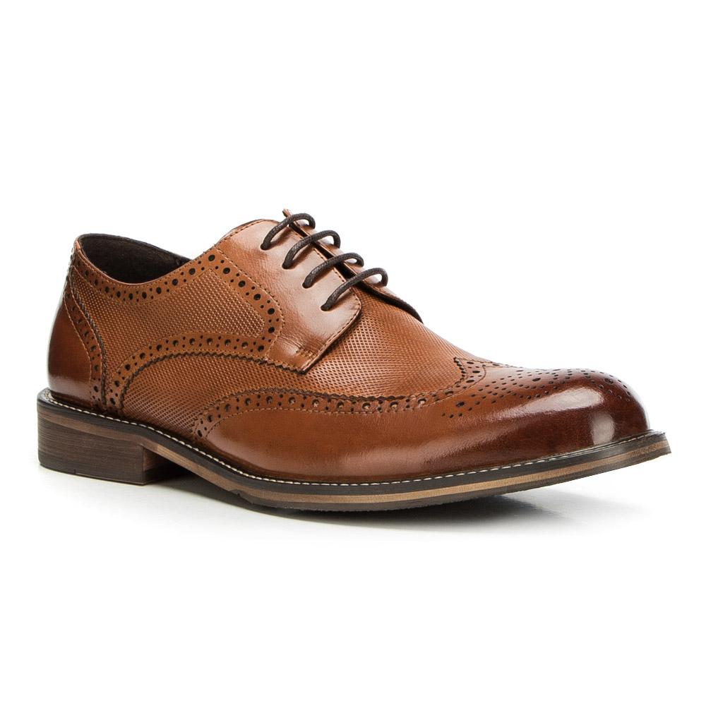 Trendová pánska obuv.