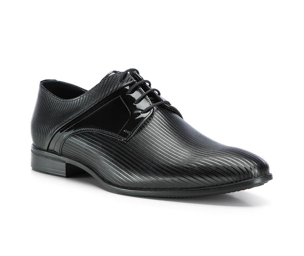 Обувь мужскаяТуфли мужские. Изготовленные по технологии Hand Madeи выполнены полностью из натуральной итальянской кожи наивысшего качества. Подошва  сделана из качественного синтетического материала. Идеальная модель для современного мужчины.<br><br>секс: мужчина<br>Цвет: черный<br>Размер EU: 45<br>материал:: Натуральная кожа<br>примерная высота каблука (см):: 2,5