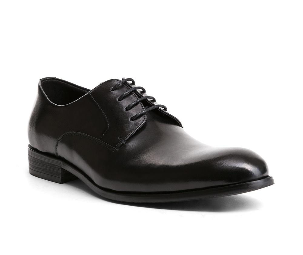 Обувь мужскаяТуфли мужские, выполнены по технологии Hand Made из натуральной итальянской кожи наивысшего качества.  Подошва сделана из качественного синтетического материала. Классическая модель идеально подчеркнет элегантный  образ. натуральная кожа  натуральная кожа синтетический материал<br><br>секс: мужчина<br>Цвет: черный<br>Размер EU: 45<br>материал:: Натуральная кожа<br>примерная высота каблука (см):: 3
