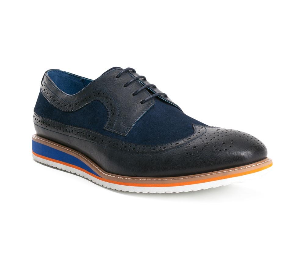 Обувь мужскаяТуфли мужские, выполнены по технологии Hand Made из натуральной итальянской кожи наивысшего качества.  Подошва сделана из качественного синтетического материала. Изысканная  фактура делает модель  идеальным дополнением современного стиля. натуральная кожа  натуральная кожа синтетический материал<br><br>секс: мужчина<br>Цвет: синий<br>Размер EU: 44<br>материал:: Натуральная кожа