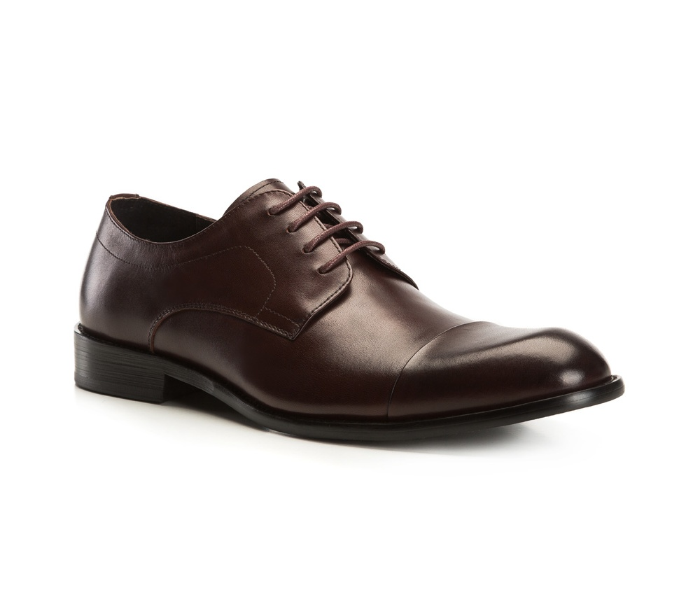 Обувь мужскаяТуфли мужские типа Дерби. Изготовленные по технологии Hand Made и выполнены полностью из натуральной итальянской кожи наивысшего качества. Подошва полностью сделана из качественного синтетического материала. Эта модель идеально подходит для тех кому нравится классика и функциональность.<br><br>секс: мужчина<br>Цвет: коричневый<br>Размер EU: 39<br>материал:: Натуральная кожа<br>примерная высота каблука (см):: 3