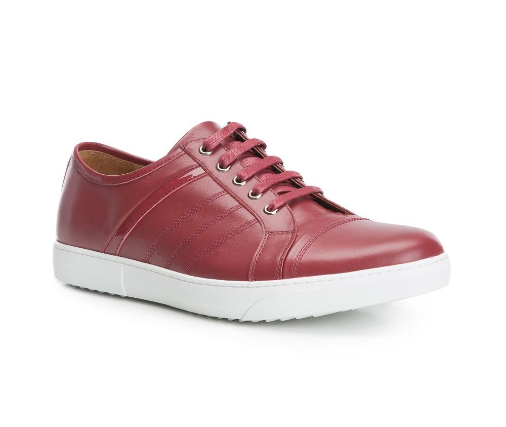Обувь мужскаяТуфли мужские. Изготовленные по технологии Hand Made выполнены полностью из натуральной итальянской кожи наивысшего качества. Подошва  сделана из качественного синтетического материала. Эта модель безусловно, должна привлечь внимание мужчин, которые любят свободный городской стиль.<br><br>секс: мужчина<br>Размер EU: 41<br>материал:: Натуральная кожа