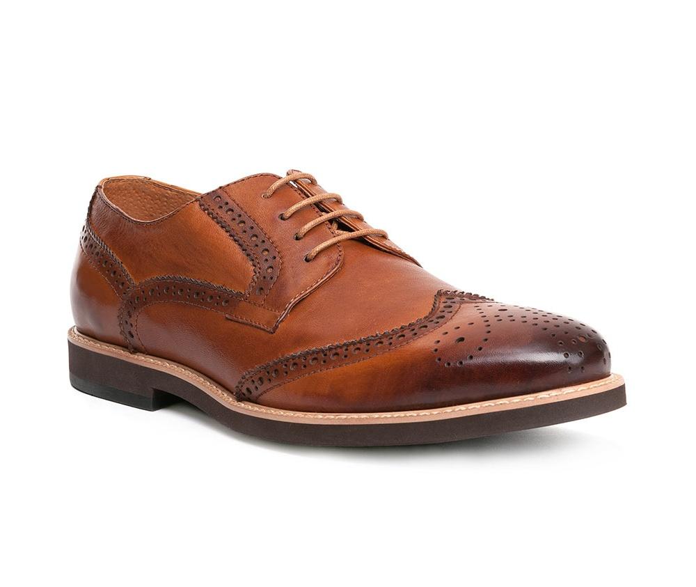 Обувь мужскаяТуфли мужские, выполнены по технологии Hand Made из натуральной итальянской кожи наивысшего качества.  Подошва сделана из качественного синтетического материала. Изысканная отделка  придаст неповторимый характер каждому образу. натуральная кожа  натуральная кожа синтетический материал<br><br>секс: мужчина<br>Цвет: коричневый<br>Размер EU: 42<br>материал:: Натуральная кожа<br>примерная высота каблука (см):: 2,5