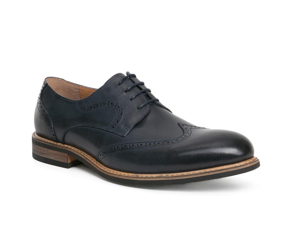 Обувь мужскаяТуфли мужские, выполнены по технологии Hand Made из натуральной итальянской кожи наивысшего качества.  Подошва сделана из качественного синтетического материала. Классическая модель идеально подчеркнет элегантный  образ. натуральная кожа  натуральная кожа синтетический материал<br><br>секс: мужчина<br>Цвет: синий<br>Размер EU: 41<br>материал:: Натуральная кожа<br>примерная высота каблука (см):: 3
