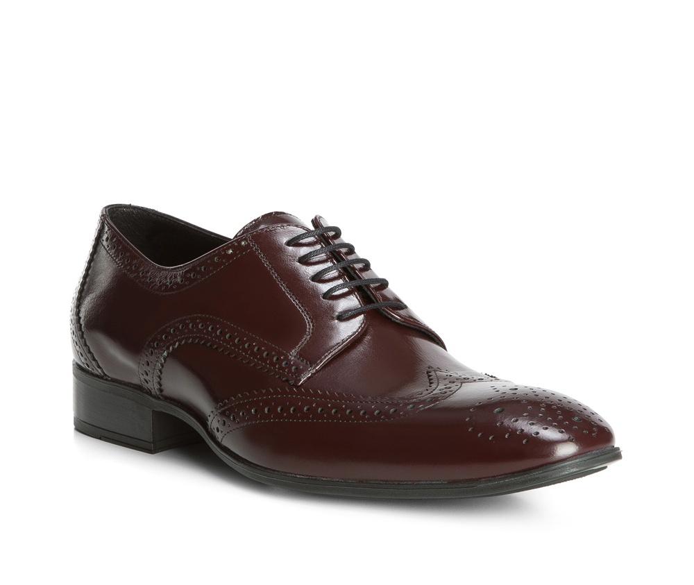 Обувь мужская Wittchen 83-M-400-4, темно-коричневыйТуфли мужские типа Дерби. Изготовленные по технологии \Hand Made\ выполнены полностью из натуральной итальянской кожи наивысшего качества. Подошва полностью сделана из качественного синтетического материала. Эта модель идеально подходит для тех кому нравится классика и функциональность.<br><br>секс: мужчина<br>Цвет: коричневый<br>Размер EU: 44<br>материал:: Натуральная кожа<br>примерная высота каблука (см):: 3,5